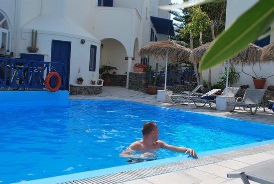 Hermes Hotel: Santorini Mai 2014
