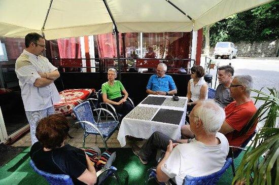 Restaurant La Poterne : En descendant de Puechagut