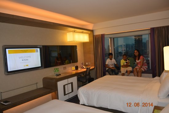 Royal Plaza Hotel: FAMILY ROOM