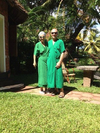 Somatheeram Ayurveda Resort: Dress for lunch.  All the inmates ... guests are wearing them.