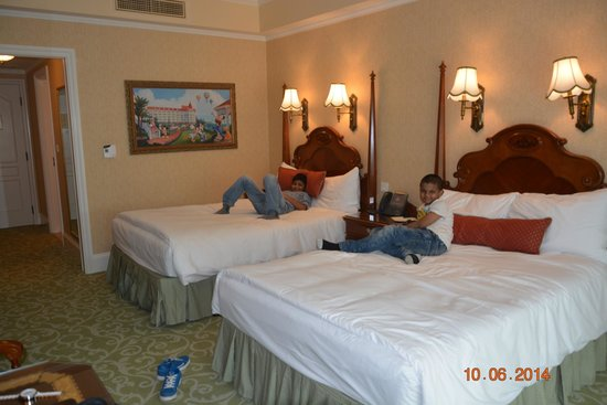 Hong Kong Disneyland Hotel : ROOM