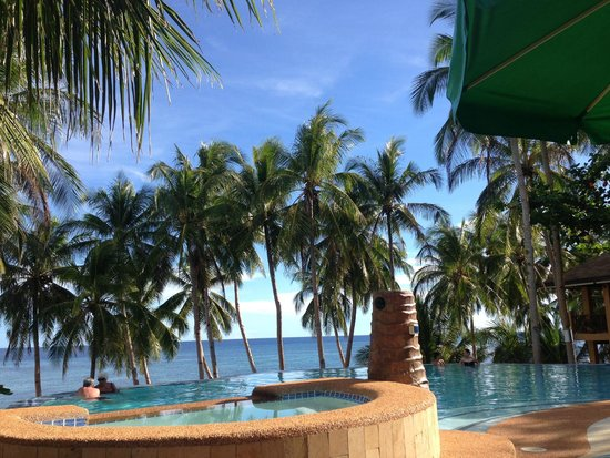 Anda White Beach Resort: Beautiful view from the restaurant area