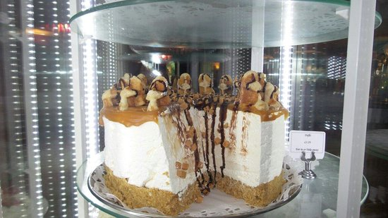 The Titan Hungry Horse: Toffee Waffle Cheesecake