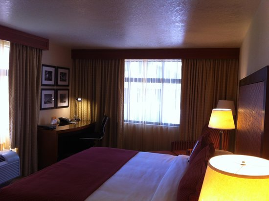 The Paramount Hotel: lovely room