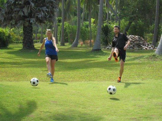 Samui Football Golf Club : Steve and Ashlyn