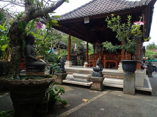 Goutama Homestay: Family temple