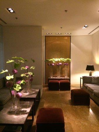 The Mandala Suites: Fleurs 3