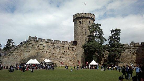 Warwick Castle: Castel Tower and bridge