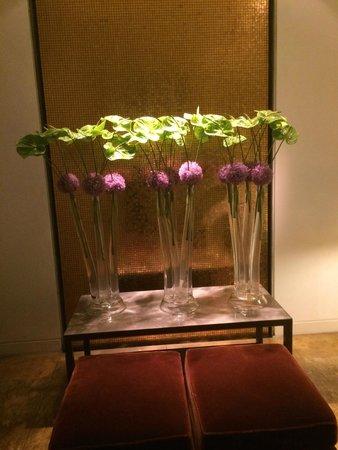 The Mandala Suites: Fleurs 4