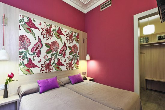 Hotel Ginebra: Budget Double Room with Private Bathroom