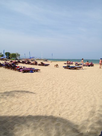 Mercure Resort Sanur : The beach