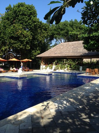Mercure Resort Sanur : One of the pools