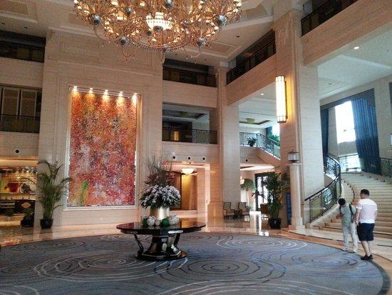 Wyndham Grand Plaza Royale Oriental Shanghai: 입구입니다.