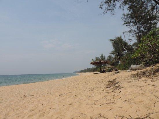 Tanjong Jara Resort: La playa del hotel