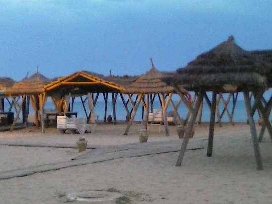 The Orangers Beach Resort & Bungalows: Paillotes