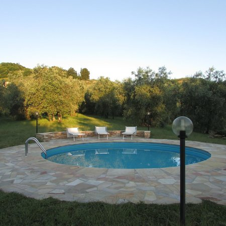 Agriturismo Fuccioli II: Enjoyed the pool after a busy day