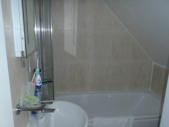 The Egryn, Abersoch: Bathroom