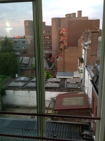 Le Grand Hotel de Valenciennes : view from single room