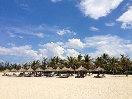 Boutique Hoi An Resort: The beach