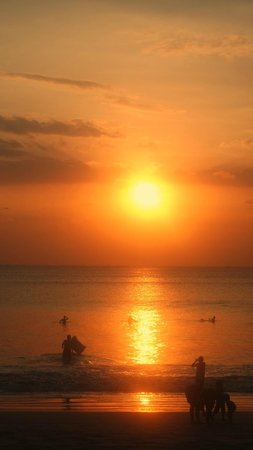Belmond Jimbaran Puri: Sunset at the beach