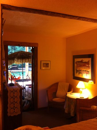 Manitou Lodge Bed and Breakfast: Pocahontas Room