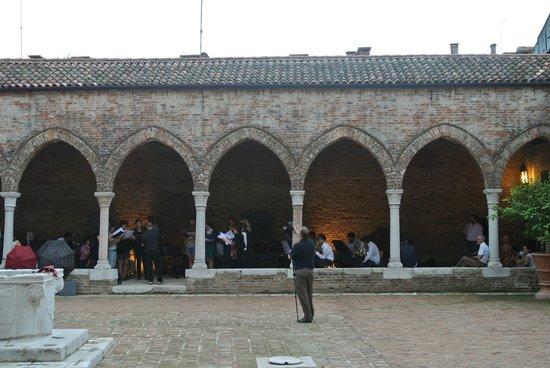 Chiesa della Madonna dell'Orto : Optredens in het binnenplein