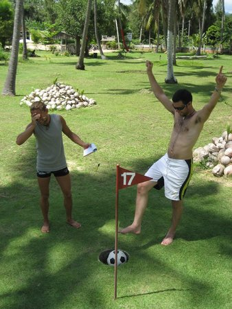 Samui Football Golf Club : Another birdie!