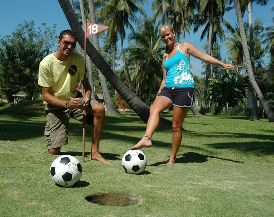 Samui Football Golf Club : Dave and Emmie 2