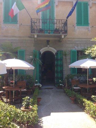 B&B  Le Villi : Lovely entrance of Le Villi!