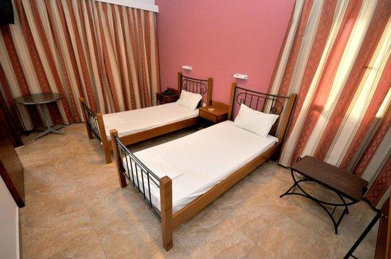 Hotel Galaxy: Δωμάτιο με δύο μονά κρεβάτια