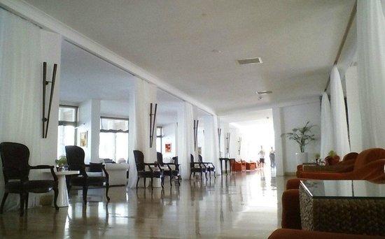 Marti La Perla: lovely cool lobby