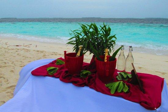 Reethi Beach Resort: sunset bar