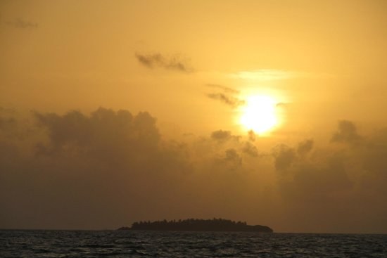 Reethi Beach Resort: sunset