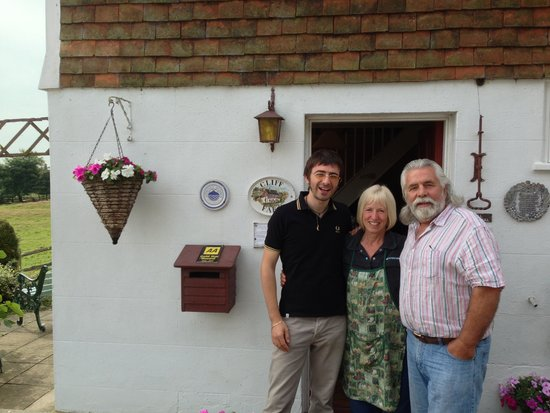 Iden, UK: with Pat and Jeff, greetings from Cliff Farm!