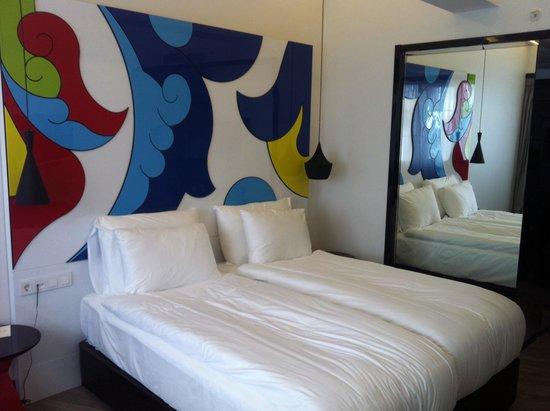 Sura Hagia Sophia Hotel: Stanze nuove di design molto carine. Un po' piccole (viaggiavo da sola, ma in due non c'è posto