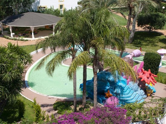 Iberostar Ciudad Blanca : The craling/comfort zone with young-child friendly pool slide