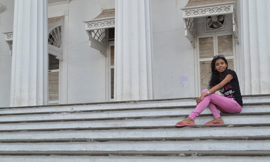Town Hall (Asiatic Society Library): photography worth for!!!!