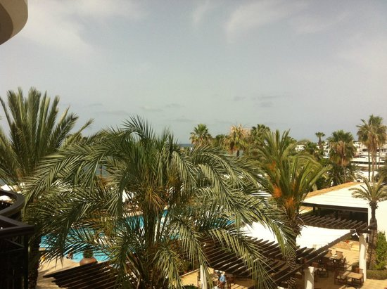 The Annabelle: Room View (Main Pool View)