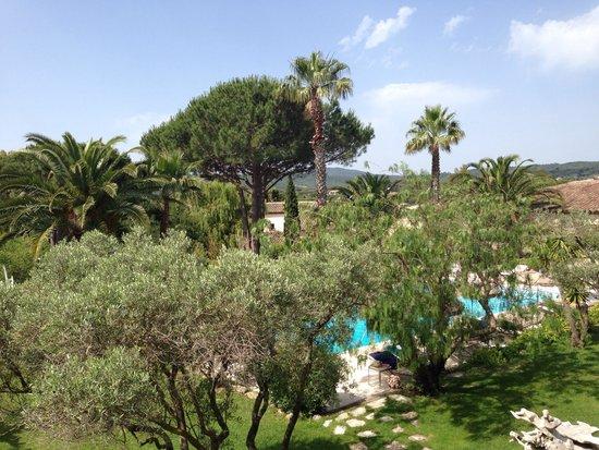Hôtel La Garbine : Blick auf den Pool