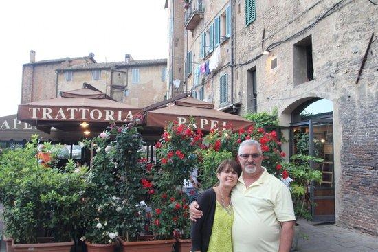 Antica Trattoria Papei: Wedding anniversary dinner date in Siena