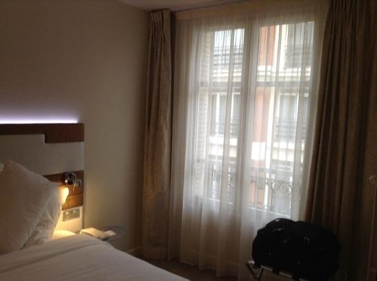 Mercure Paris Opera Faubourg Montmartre : Room 408