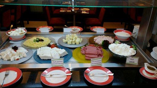 Coral Beirut Al Hamra Hotel: Breakfast