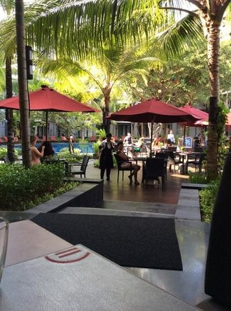 Pullman Bali Legian Beach: G Bar pool area