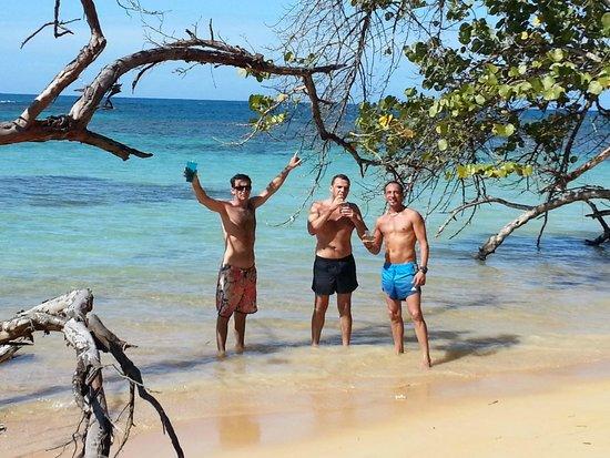 Hotel Oasis : playa punta popi