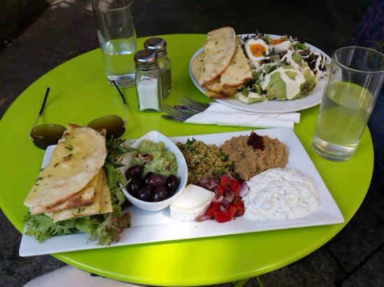 Chapel Arts Cafe: Lovely food, nice and refreshing.