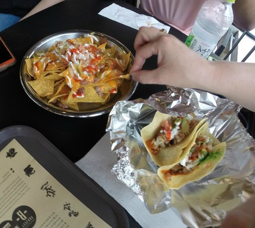 Gusto Taco: Small Nacho and Tacos