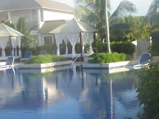 Royalton Cayo Santa Maria: Lower Pool