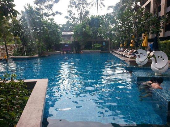 Novotel Phuket Kata Avista Resort and Spa: Avista Kata pool