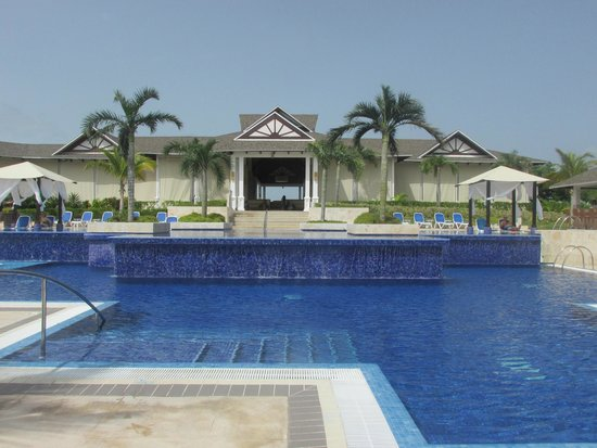 Royalton Cayo Santa Maria: Upper Pool
