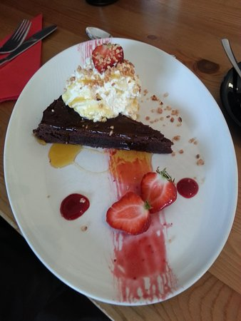 Restaurant Mika: chocolate cake